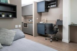 Virginia_House_interior_room_0123